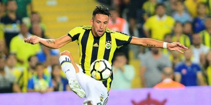 Fenerbahçe'ye yıldız oyuncudan iyi haber geldi!