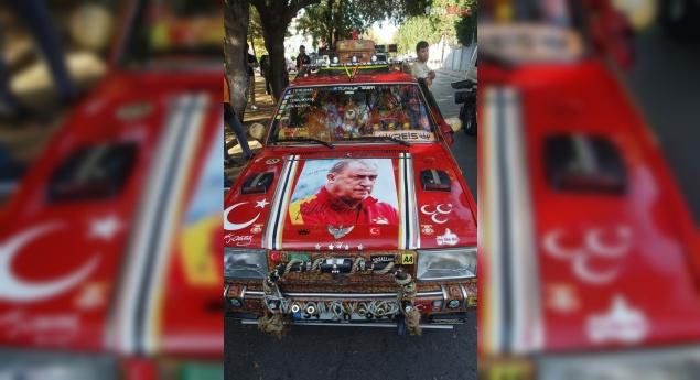 'Galatasaraylı araba'yı görenler gözlerine inananmıyor! İşte arabadaki Fatih Terim detayı!
